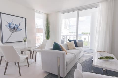 7th Floor New Two Bedroom with Amazing Ocean View