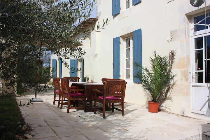 Le Chai O Soleils - Mortagne-sur-Gironde - Haus