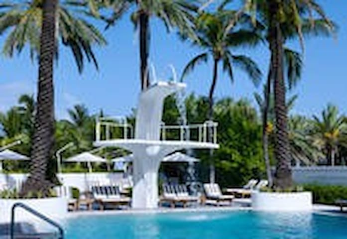 SHELBORNE OCEAN VIEW,BALCONY STUDIO,LOCATION! - Miami Beach - Apartamento