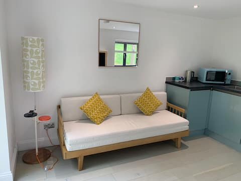 Self contained annexe in the Cotswolds near Bath