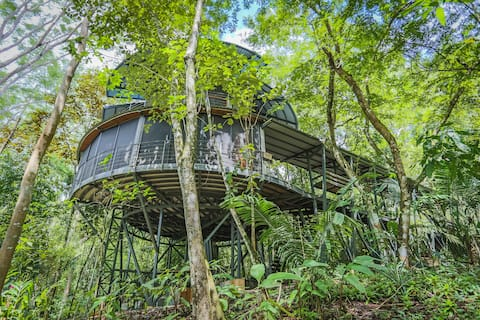 Jungle Roundhouse - commune with nature