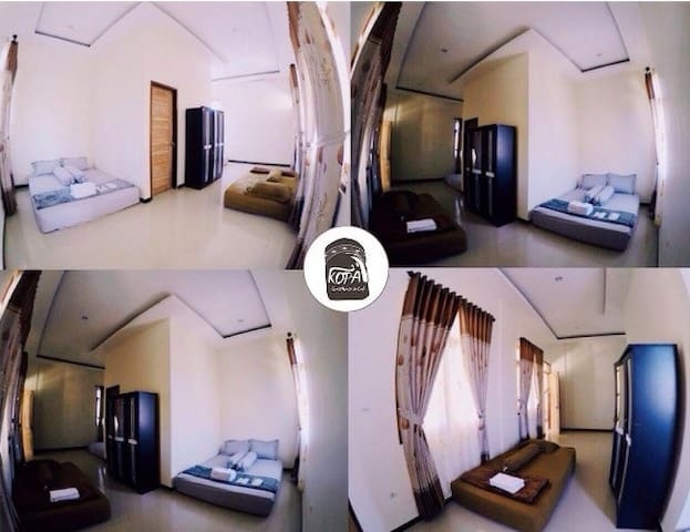 Polotopo Room  Facilities : 2 Double Bed, Air Conditioning, Free Wifi, Breakfast, Towel, Bath Towel, Slippers, Toothbrush, Shampoo, Soap bar