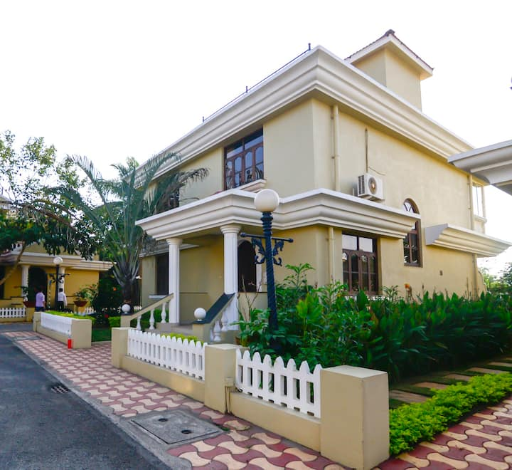 Trip Thrill Majestic Palm 3BHK Villa R9
