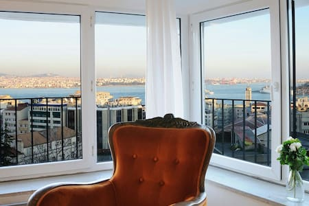 Gorgeous bosphorus sight,cosy charm - Galata,Beyoğlu - Appartement