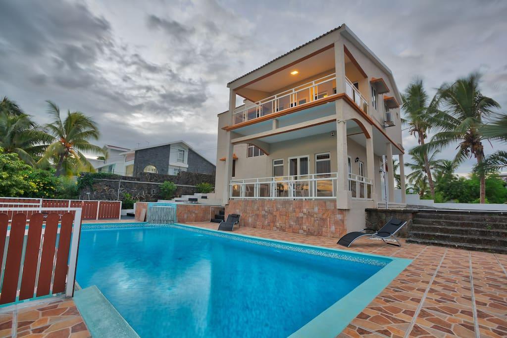 Hibiscus 5 bedroom villa