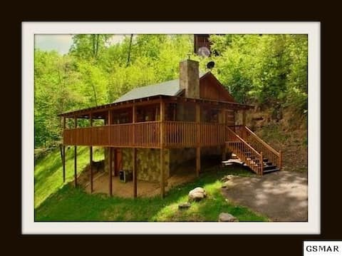 Winter booking fast!  Smoky Mtns getaway cabin!