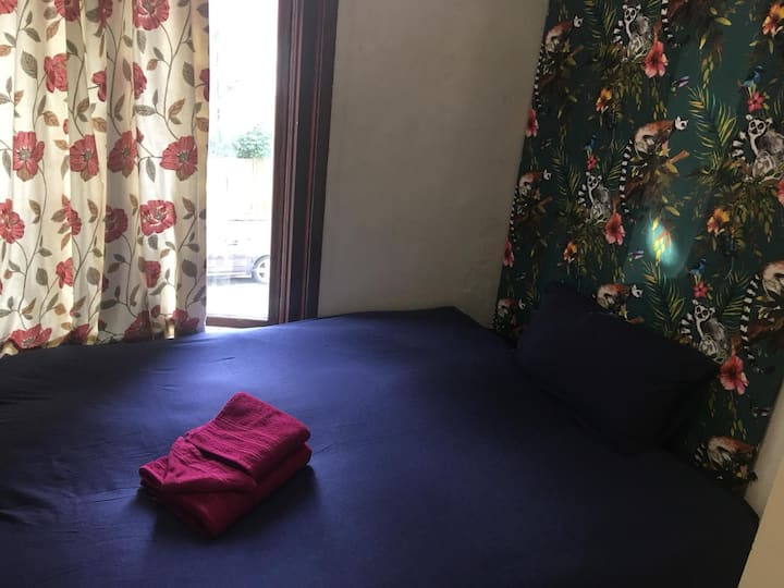 Bedroom in vibrant Hackney