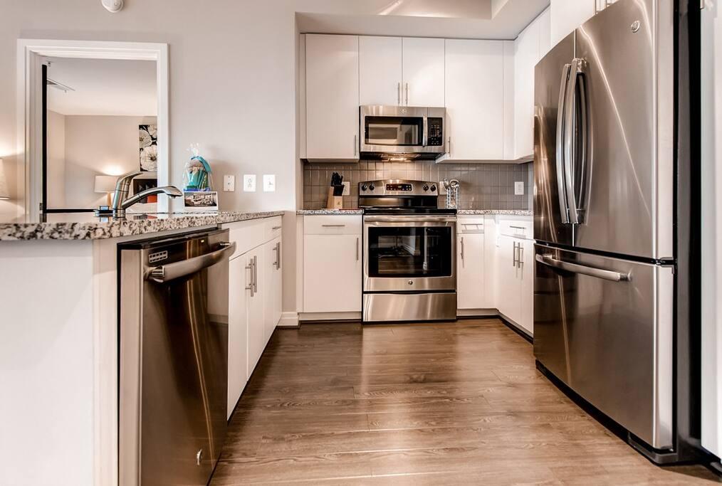 Ultra Plush 2 Bedroom Apt In Reston Virginia Apartments For Rent In Reston Virginia United