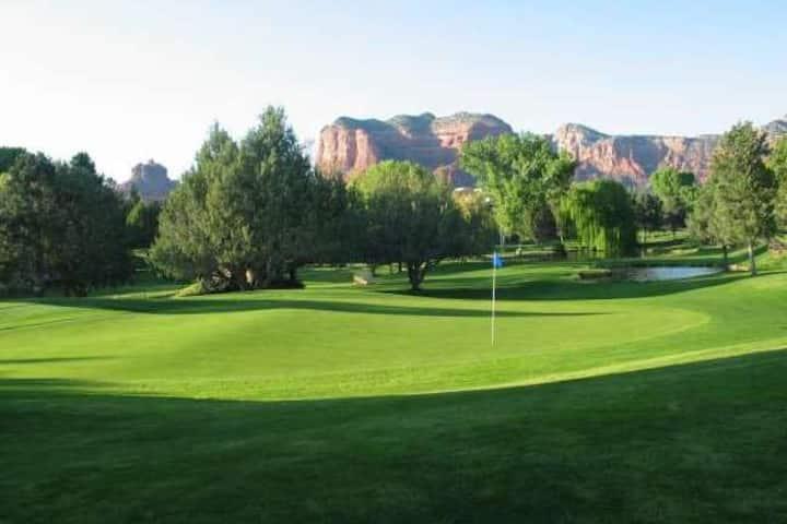 Relax - Pool/Spa/Hiking & Bike Trails/Golf/Tennis