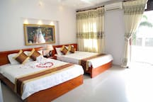 Family Deluxe 2 Double Beds/4 persons