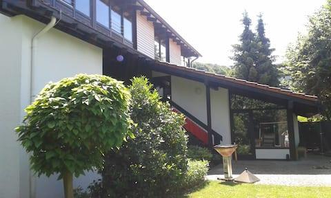 Zimmer in Northeim mit Bad und Wohnbereich