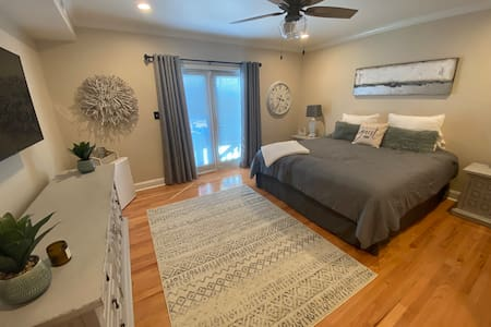 Exclusive suite half mile from the beach