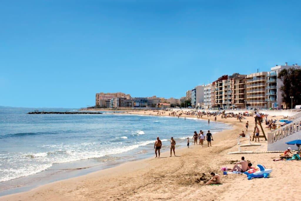 Playa de Locos.