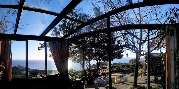 STUDIO Haute Bastia, vue  mer, piscine