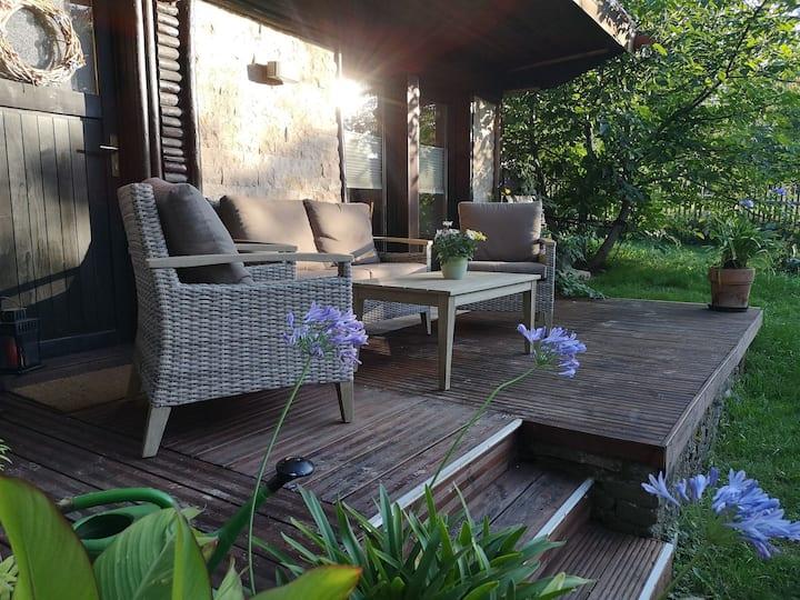 Gartenhaus / Garten 1200qm, sep. Zufahrt, Privat