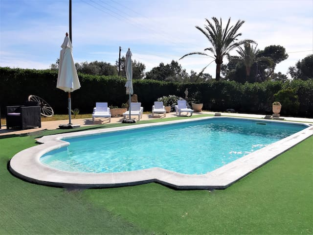 Chelet with WIFI, private pool and barbecue