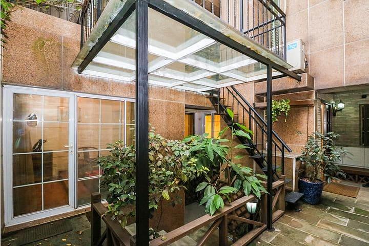 温馨豪宅四室三厅四卫的复式花园房 -- 5分钟到中央半岛温泉和南滨路 - Chongqing