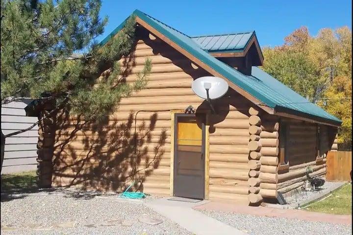Storm Chaser's Hut