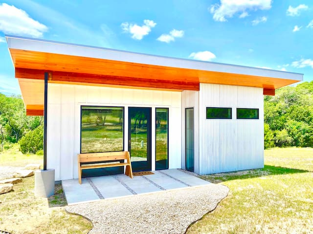 Travis - Modern Tiny House - Tom Dooley's Hideout