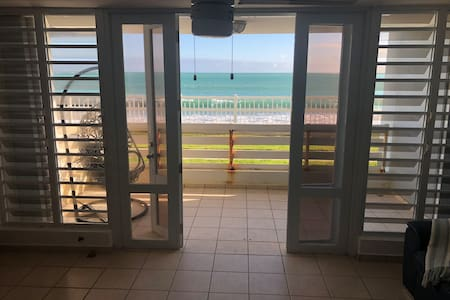 Charming Beachfront 2 Bedroom Condo