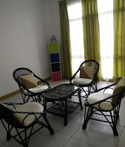 Peaceful Condo with a beautiful Golf Course View!! - Greater Noida