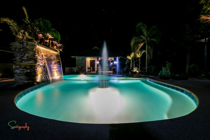 TJM Tropical Resort - The Main House