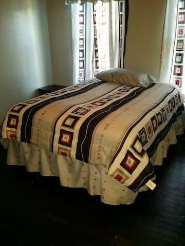 Newly Renovated Private Room - York - Talo