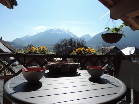 Chalet Faverges-soleil et vue montagnes