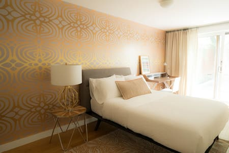 Beautifully Designed Island Style Garden Suite