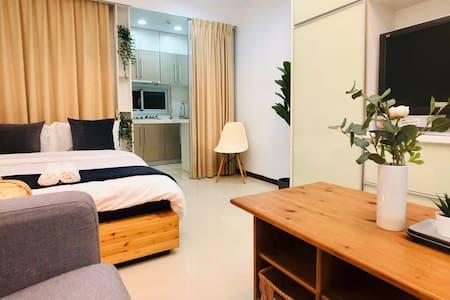 Muji House Minutes from MRT & 101 | Pool Sauna Gym