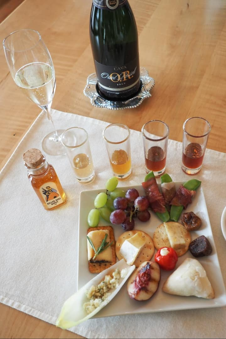 Honey tasting and food pairing