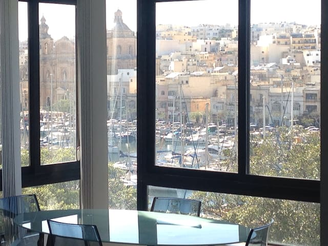 Great & Central Flat Sea Views - L-Imsida - Apartmen