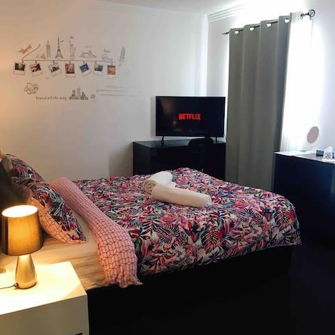 Generous size Queenbedroom