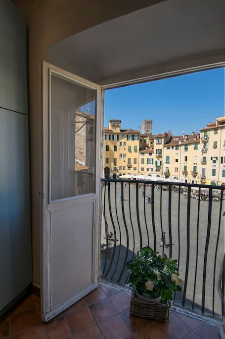 One bedroom apartement overlooks the anfiteatro for Anfiteatro apartments