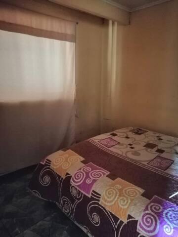 Planta baja, dos habitaciones, 1 Baño, amoblado
