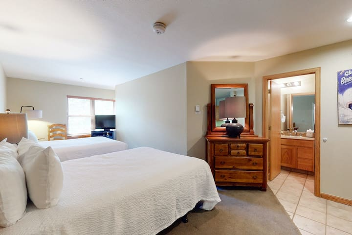Perfect for skiers studio in the heart of Breckenridge, near slopes
