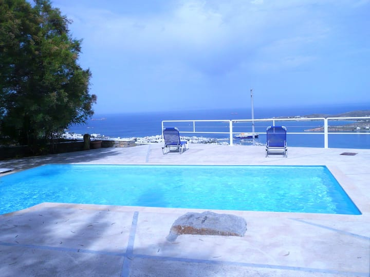 Villa with 2 bedrooms in Paros, with wonderful sea view, shared pool, terrace