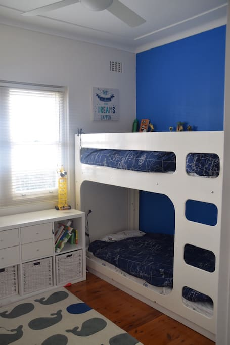 Children's bunk bed, additional folding bed.