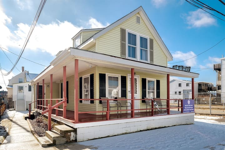 Hampton Beach Cottage Just Steps from the Ocean! - Hampton - Hus