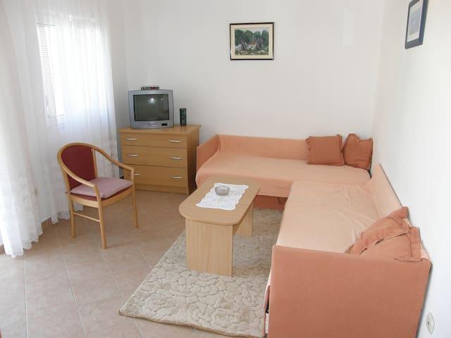 Apartment Veronika 2 - Drašnice - Apartmen