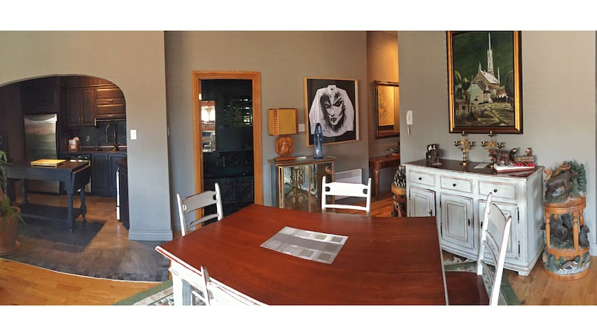 Huge 1BR appartement in the best spot in town