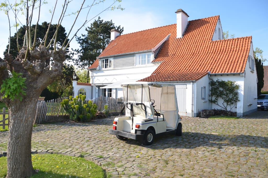 The golf car doesn't make part of the renting..… everything else does;-))