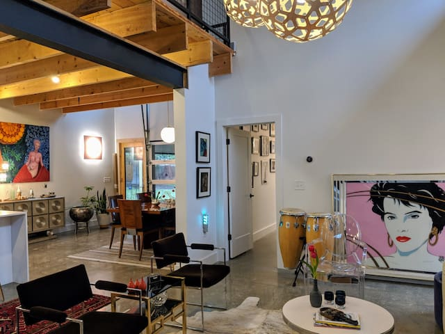 Eclectic Modern in Downtown Raleigh