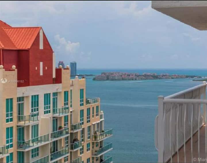 Water & City Views PH, Pool, Fitness Center,