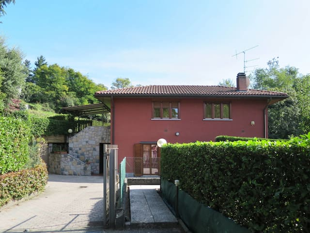 Holiday home in LUINO (Va) - I.280