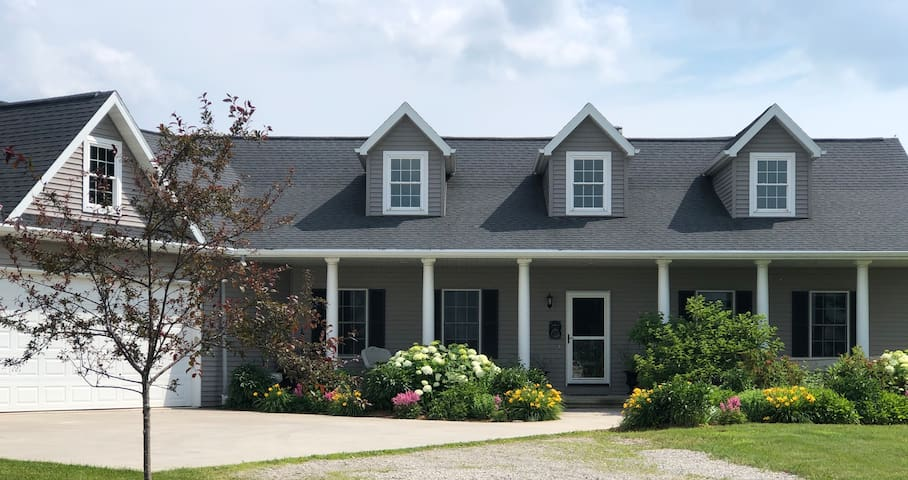 EAA Relaxing Country Home