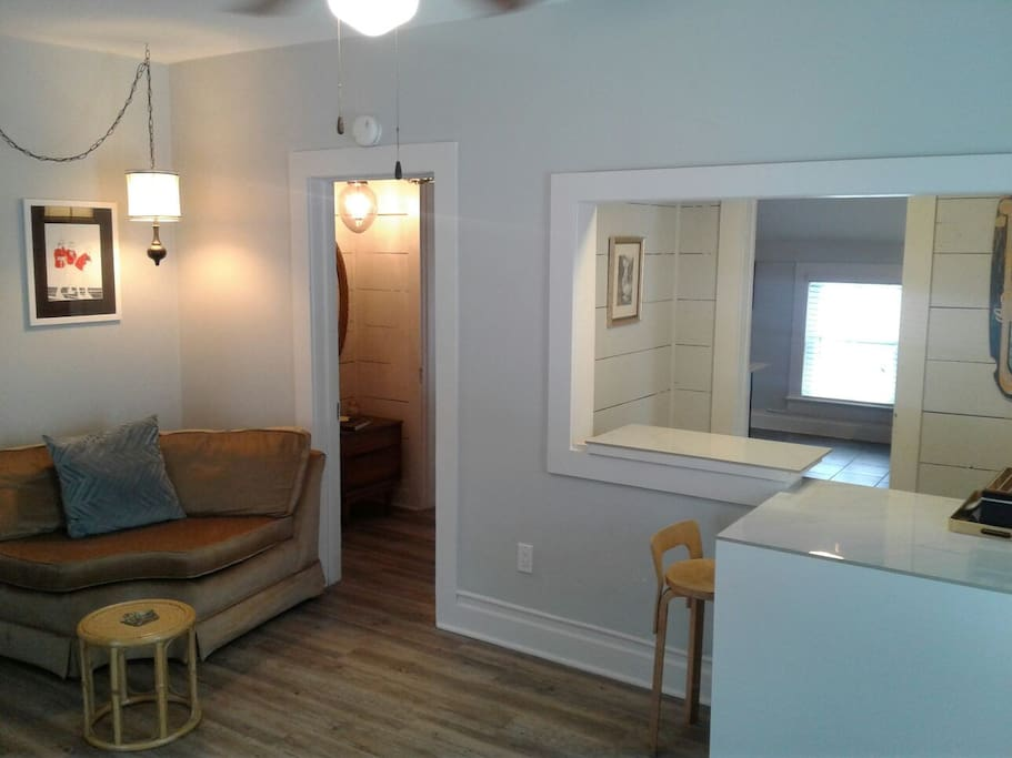 Historic district walk to downtown apartments for rent in bozeman montana united states for One bedroom apartments in bozeman mt