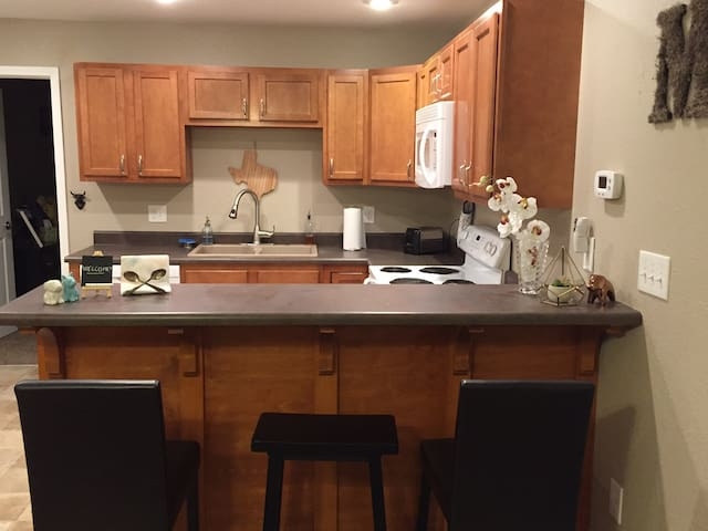 cozy apt- walking distance to TSU, ATSU & downtown - Kirksville - Pis