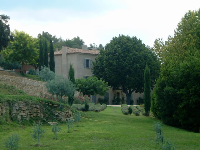 Bastide des Vignes: 110631 - La Tour-d'Aigues - Villa