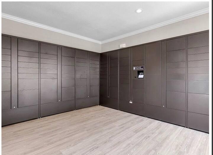 2 BDR Houston Galleria Apartment/Patio